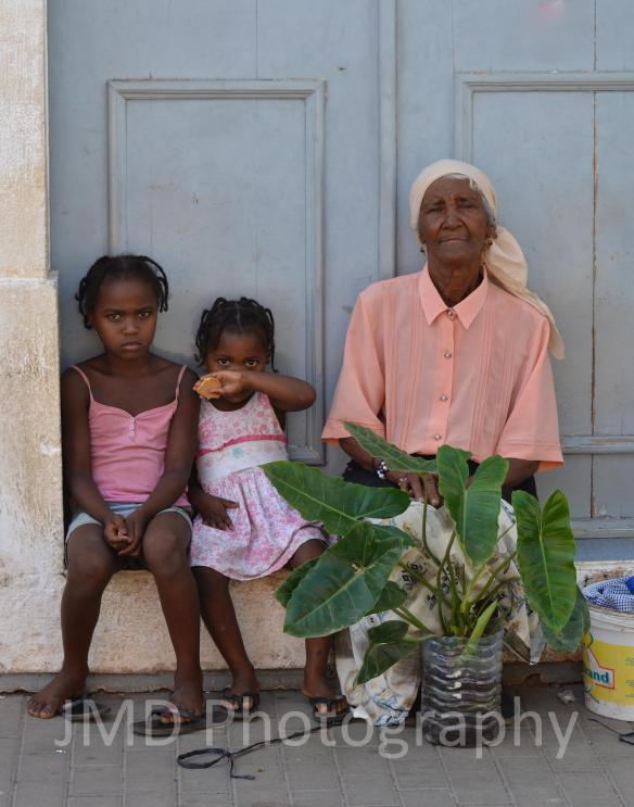 Plant Girls - Santiago, Cape Verde 2012